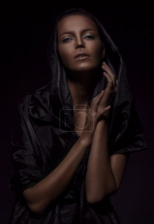 Foto de Estudio disparos de retratos en clave baja - Imagen libre de derechos