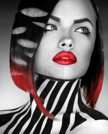 black and white Studio photo og fashion model with stripes on bo