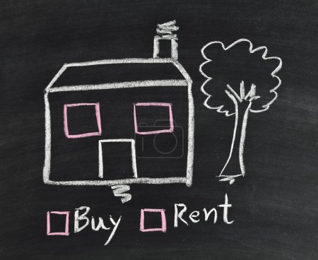 Photo pour Acheter ou louer une maison écrite sur tableau noir - image libre de droit