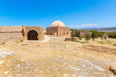 Photo pour Ruines de la vieille ville de Rethymno, Crète, Grèce. Il plus grand château en Europe centrale - image libre de droit