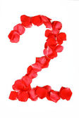 Krásné vyrobený z červených růží dopis izolovaných na bílém b