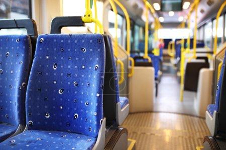 Photo pour Route de bus à Dubaï. - image libre de droit