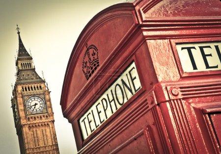 Photo pour Cabine téléphonique rouge et big ben, london, uk - image libre de droit