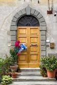 Tür mit Bogen-blau
