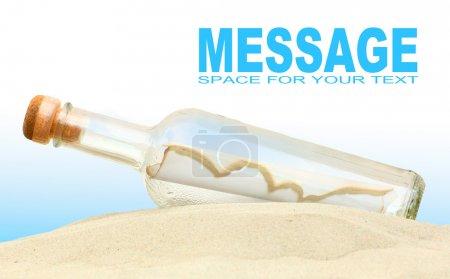 Photo pour Bouteille avec message. Concept de communication. place pour votre texte - image libre de droit