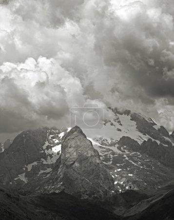 Photo pour Pic Marmolada - Montagnes Dolomiti - image libre de droit