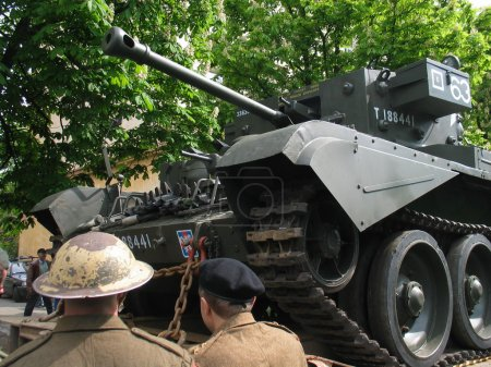 Tank and soldiers
