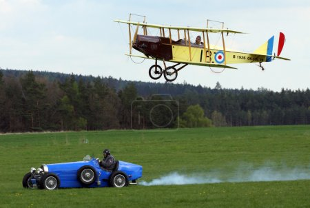 Race between Bugatti car a
