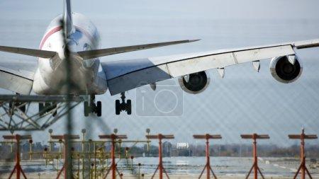 Airplane telephoto