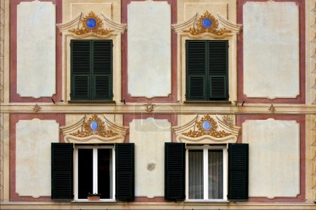 wood venetian blind in portofino
