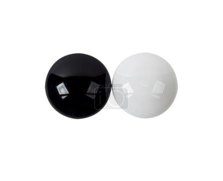Magnet auf weißem Hintergrund