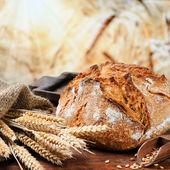 """Постер, картина, фотообои """"Свежеиспеченные традиционный хлеб"""""""