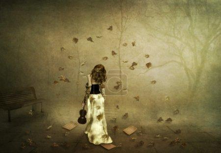 Photo pour Automne Rhapsody, une fille avec un violon dans le parc d'automne - image libre de droit