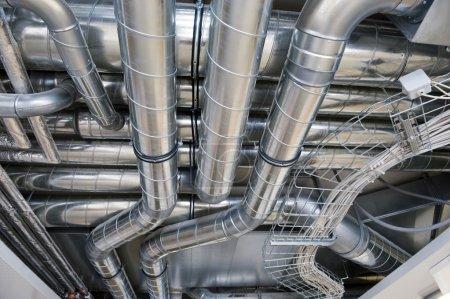 Photo pour Distribution industrielle avec système de ventilation - image libre de droit