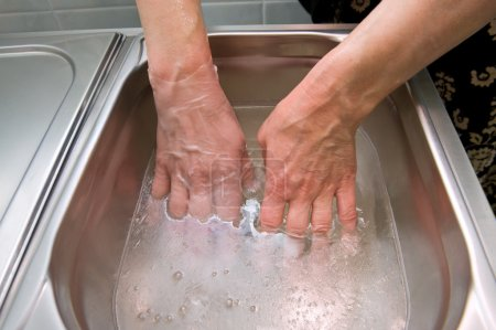 Paraffin bath