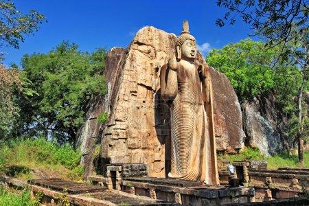 plus remarquables sites touristiques bouddhiste - awukana (sri lanka)