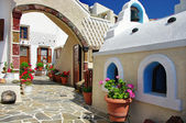 Pretty courtyards of Santorini