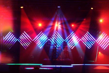Photo pour Lumières de la scène avec led design en arrière-plan - image libre de droit