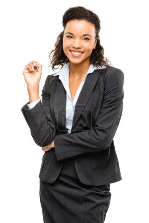 Photo pour Jeune femme métissée souriant isolée sur fond blanc - image libre de droit