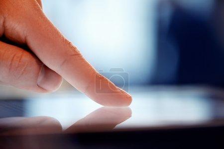 touchscreen digital tablet finger