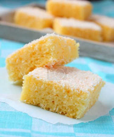 Semolina cake with coconut