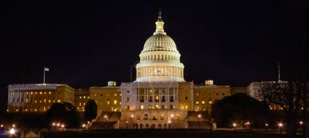 Panorama of Capitol Building with night lights, Wa...
