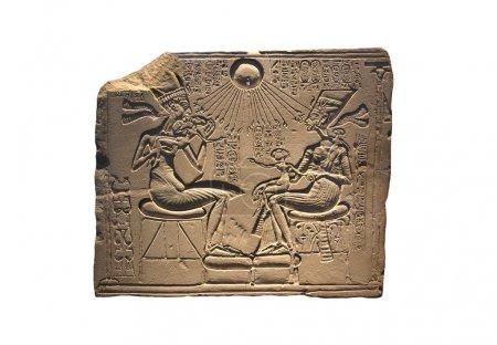 Akhenaten, Nefertiti