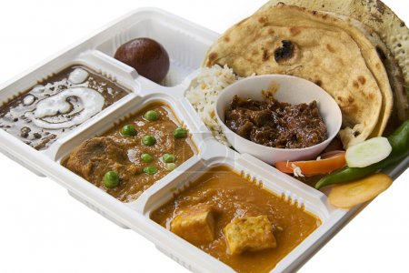 Photo pour Nourriture indienne thali isolé sur fond blanc - image libre de droit