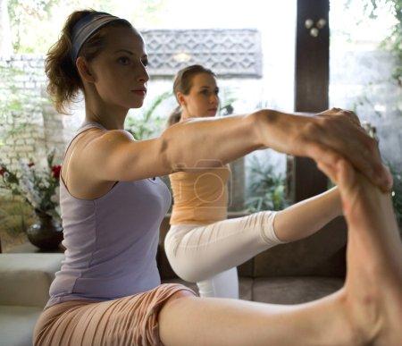 Uthithpadasthasana yoga