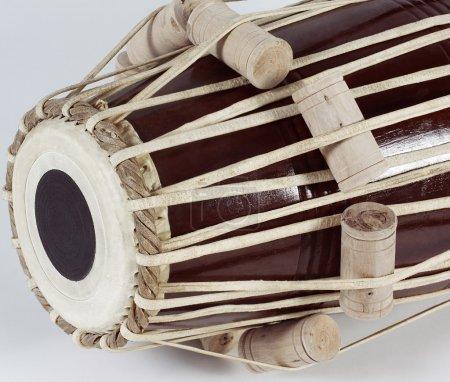 Photo pour Instrument de musique indienne de tabla - image libre de droit