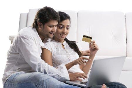 Couple internet banking