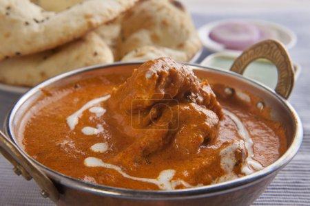 Photo pour Délicieux poulet au curry tandoori rotis - image libre de droit