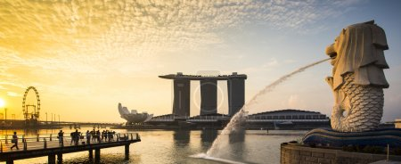 Photo for Singapore landmark Merlion with sunrise Panorama - Royalty Free Image