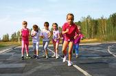girls starting to run on track
