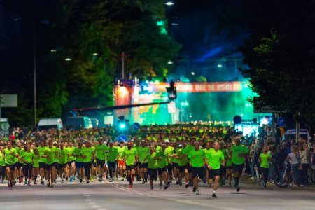 STOCKHOLM - AUG, 17: Seconds after the start of the Midnight Run (Midnattsloppet) event. Aug 17, 2013 in Stockholm, Sweden