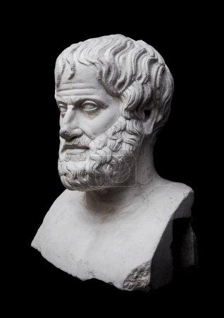 Photo pour Philosophe Aristote Sculpture isolée sur fond noir - image libre de droit