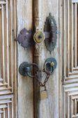 Staré železo bezpečnostní zámek okrasné dřevěné dveře