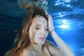 """Постер, картина, фотообои """"Портрет молодой женщины под водой"""""""