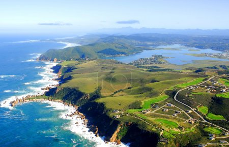 Photo pour Une photo aérienne de Knysna dans le Jardin Route Afrique du Sud - image libre de droit