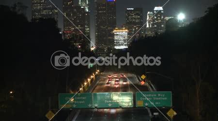 Idő telik el a forgalom felé Los Angeles City, éjjel