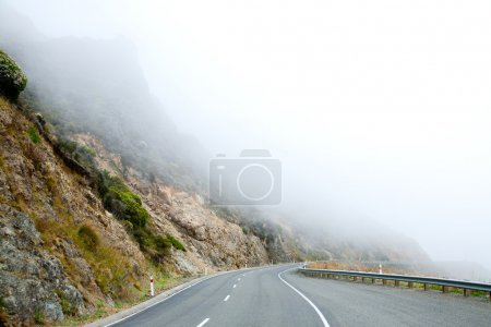 Mountain road in the Southern Alps of New Zealand ...