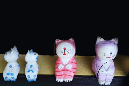Japanese cat sculpture