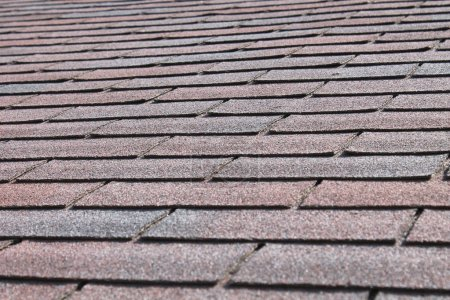 Photo pour Bouchent la vue du toit en bardeaux nouvellement. - image libre de droit