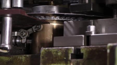 重工業 - ナット シート メタル パンチ機、機械式プレス機