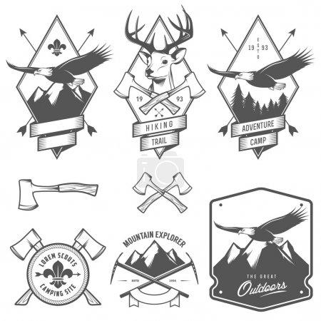Photo pour Ensemble de vintage randonnée et du camping des étiquettes, écussons et éléments de conception - image libre de droit