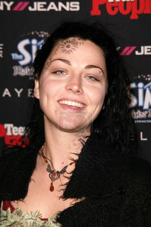 Photo pour Amy Lee de Evanescence au Teen 2003 Artist Of The Year et AMA After Party, Avalon, Hollywood, CA 16-11-03 - image libre de droit