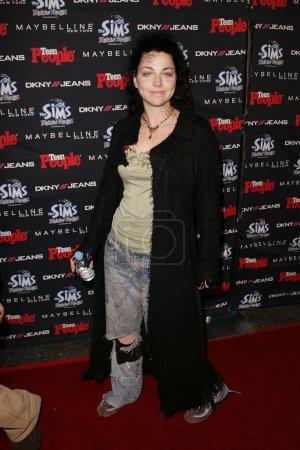 Photo pour Amy Lee de Evanescence au Teen 2003 Artist Of The Year et AMA After Party, Avalon, Hollywood, CA 16-11-03 - image libre de droit
