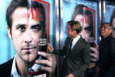 """Photo pour Ryan Gosling et George Clooney à la """"The Ides of March"""" Los Angeles Premiere, Academy of Motion Picture Arts and Sciences, Beverly Hills, CA. 09-27-11 - image libre de droit"""