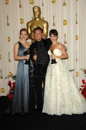 Kate Winslet with Sean Penn