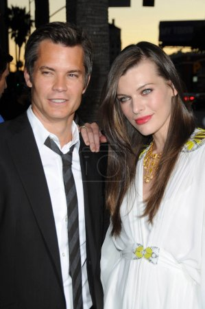 Timothy Olyphant and Milla Jovovich